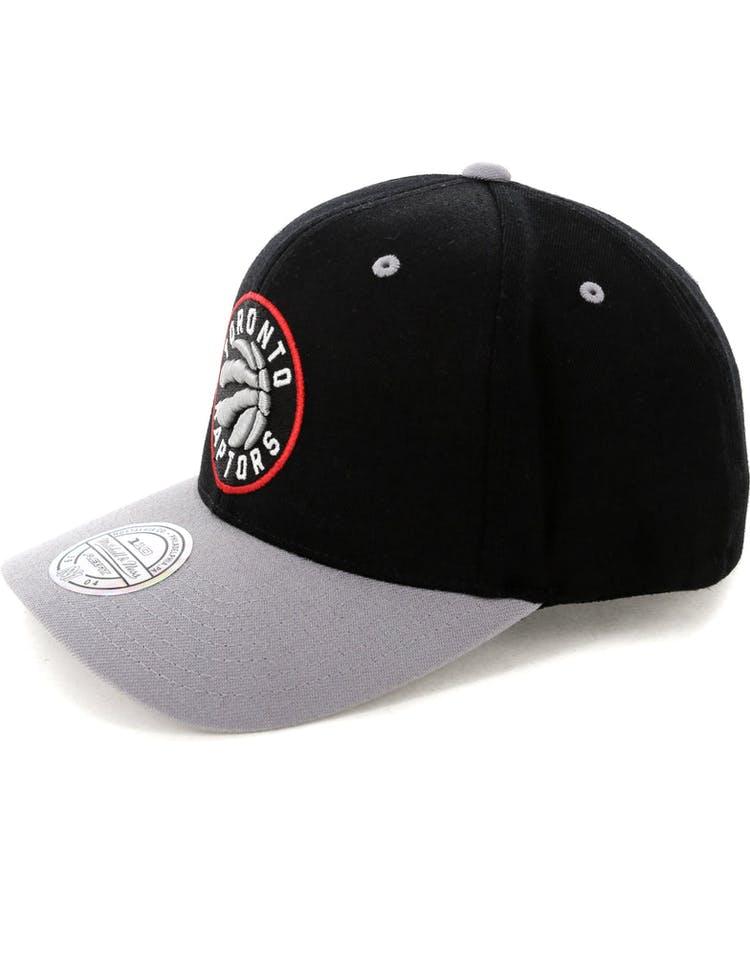 competitive price e5254 57fcd Mitchell   Ness Toronto Raptors Team Logo 2 Tone 110 Snapback Black Grey