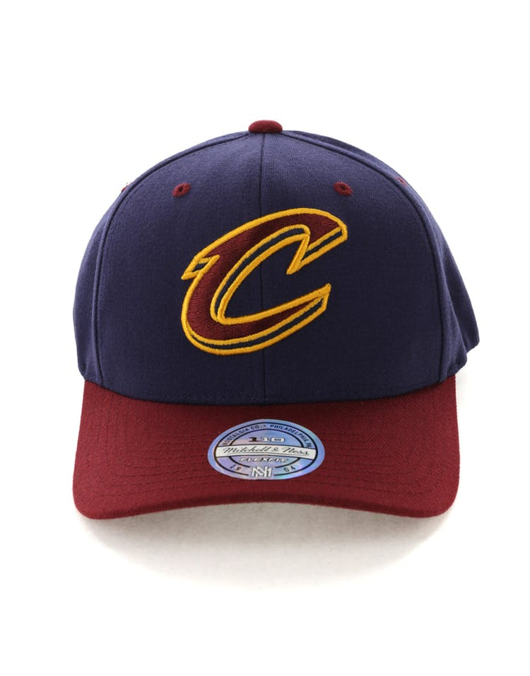 competitive price 8bedf dc84c Mitchell   Ness Cleveland Cavaliers Team Logo 2 Tone 110 Snapback Navy –  Culture Kings