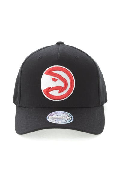 44846eea711 New Era Atlanta Hawks Team 110 Pinch Snapback Black