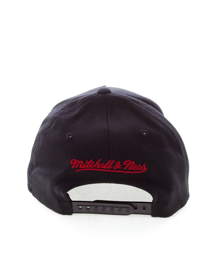 cheap for discount 9803c f9af1 Mitchell   Ness Miami Heat 110 Pinch Snapback Black