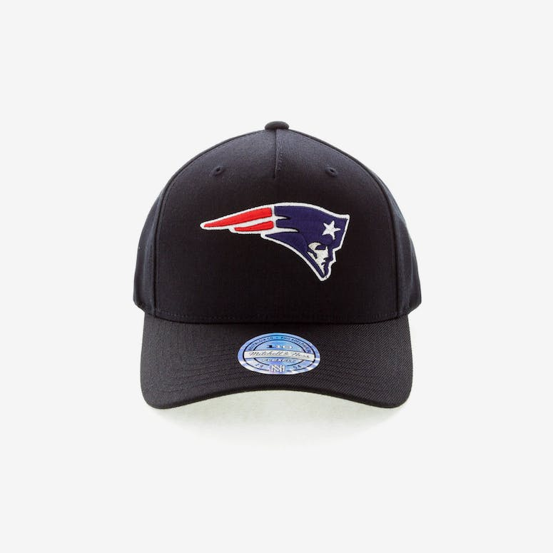 3775749d520 Mitchell   Ness New England Patriots 110 Pinch Snapback Black – Culture  Kings
