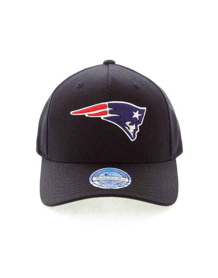 best service 8beea 5d0ed Mitchell & Ness New England Patriots 110 Pinch Snapback Black