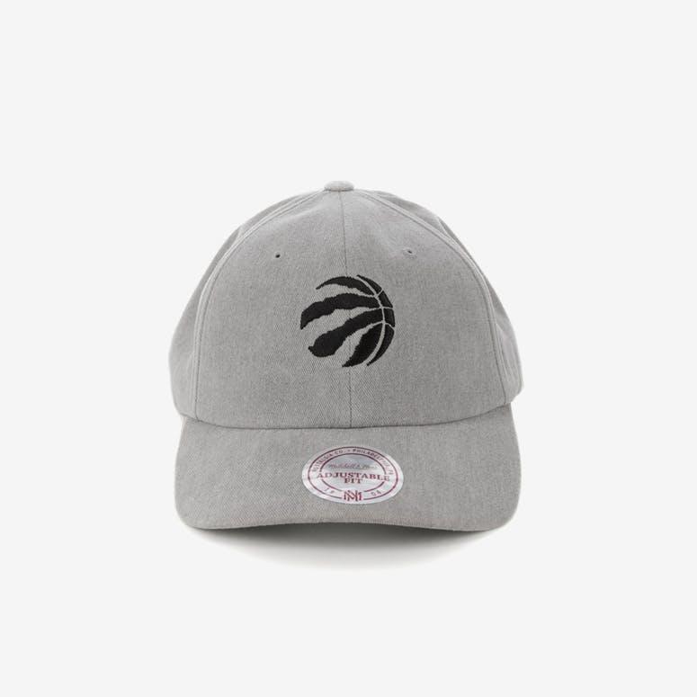 03b2f154df1 Mitchell   Ness Toronto Raptors Haze Snapback Grey – Culture Kings