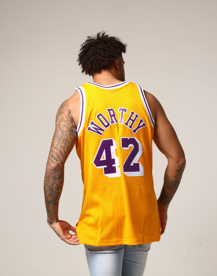 fd43b0a03 Mitchell   Ness Los Angeles Lakers James Worthy  42 NBA Jersey Yellow