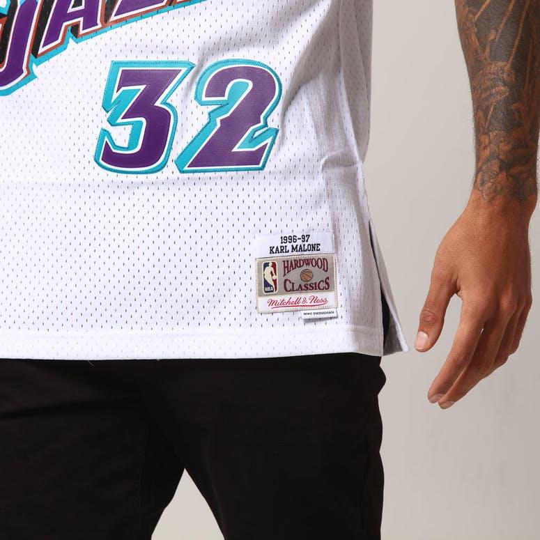 premium selection ab7f6 dd71e Mitchell & Ness Utah Jazz Karl Malone #32 NBA Jersey White