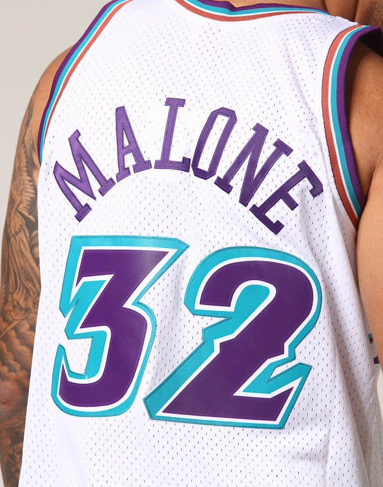 premium selection be8b0 14007 Mitchell & Ness Utah Jazz Karl Malone #32 NBA Jersey White