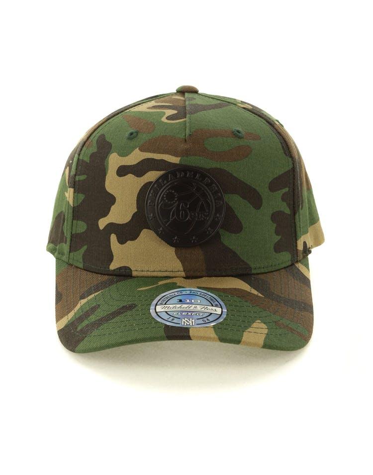 online store a3042 1d5e1 Mitchell   Ness Philadelphia 76ers Metal Badge 110 Snapback Camo – Culture  Kings