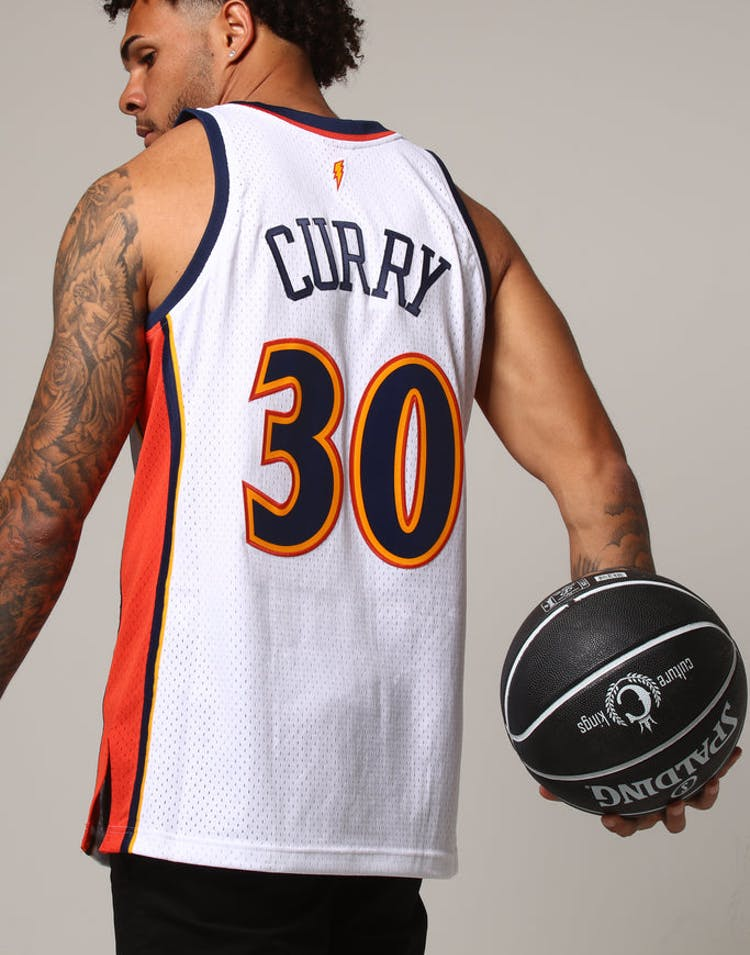 cbe6438a5 Mitchell & Ness Golden State Warriors Stephen Curry #30 NBA Jersey Whi –  Culture Kings