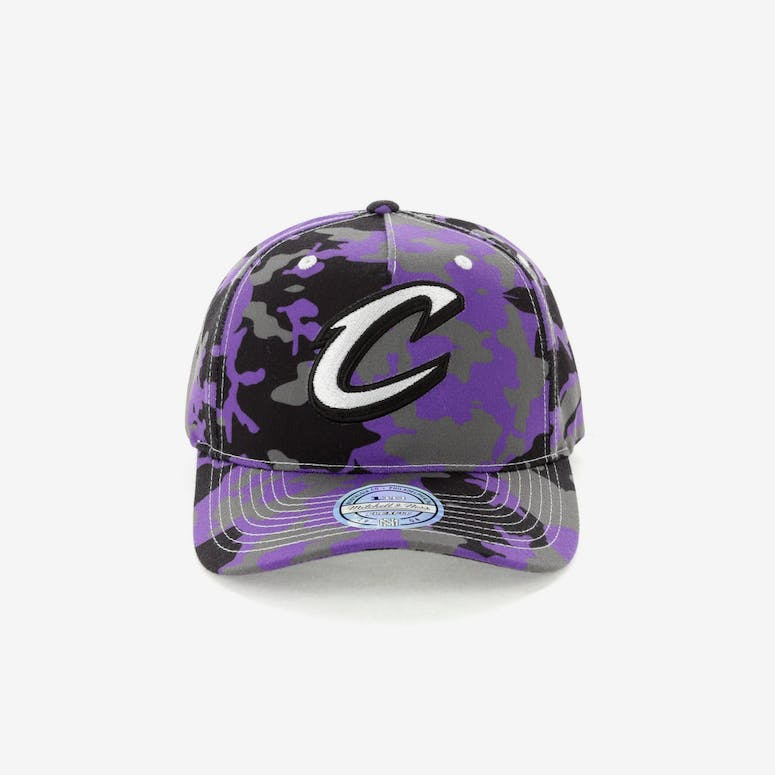 2a68df5c46c Mitchell   Ness Cleveland Cavaliers 110 Pinch Panel Snapback Camo Purp – Culture  Kings
