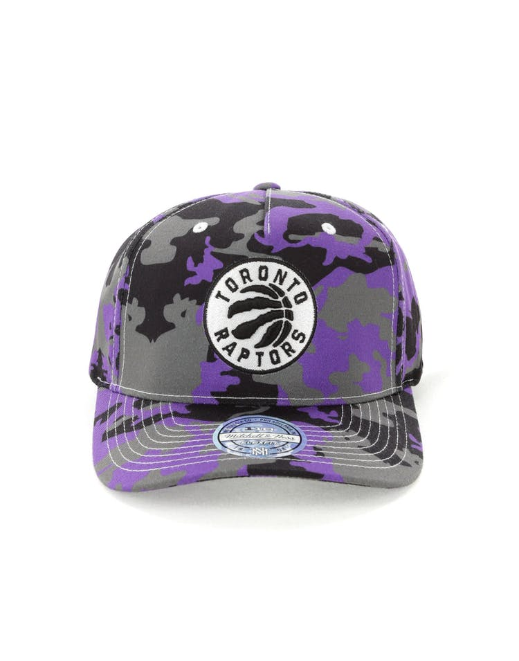 1a1faca4038 Mitchell   Ness Toronto Raptors 110 Pinch Panel Snapback Camo Purple –  Culture Kings