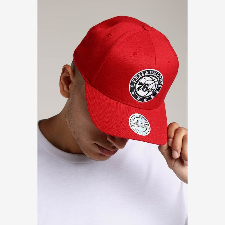8b5002961a4 Mitchell   Ness Philadelphia 76ers Pinch 110 Snapback Scarlet – Culture  Kings