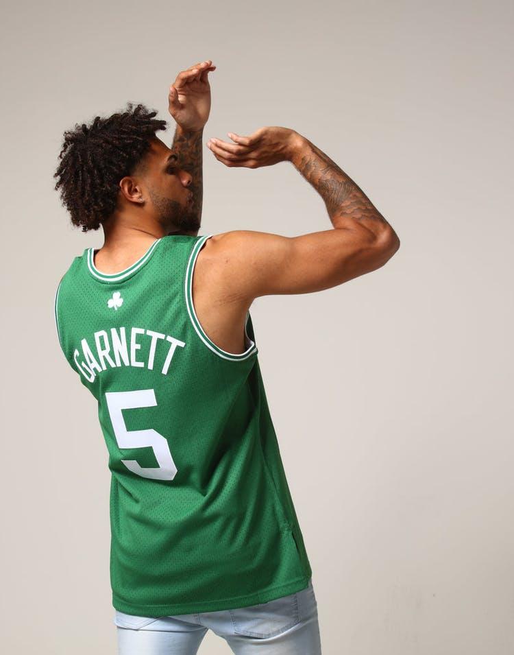 28887e7fe Mitchell   Ness Boston Celtics Kevin Garnett  5 NBA Jersey Green ...