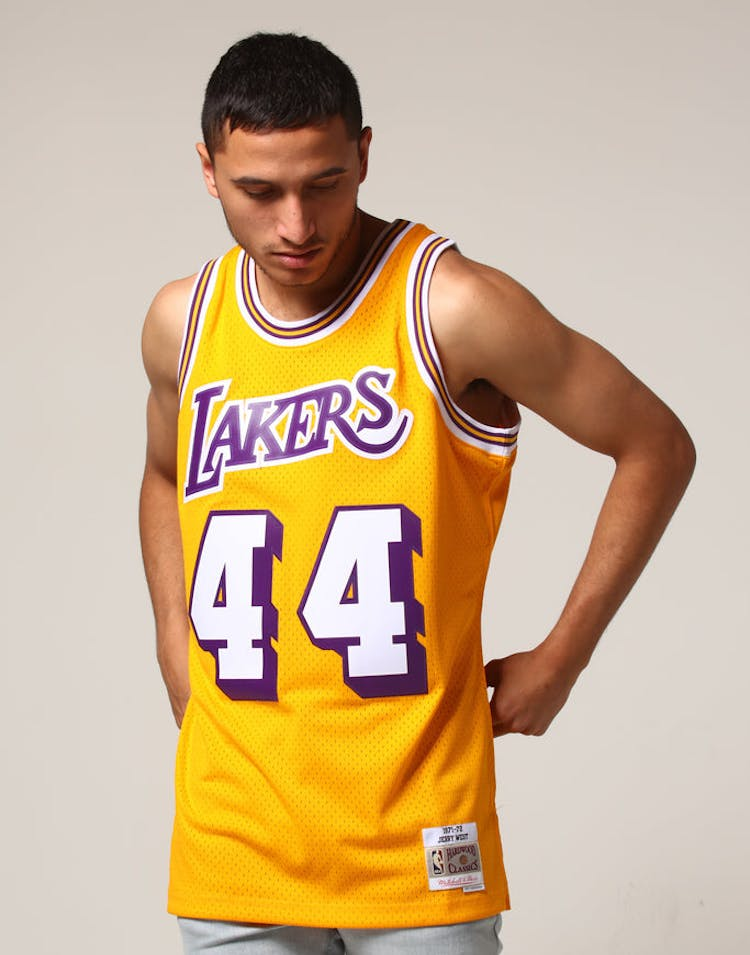 e03bb127951 Mitchell & Ness Los Angeles Lakers Jerry West #44 NBA Jersey Yellow –  Culture Kings
