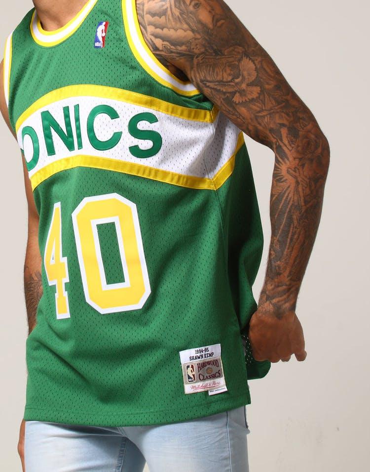 72d91255ccb Mitchell   Ness Seattle Supersonics Shawn Kemp  40 NBA Jersey Green ...