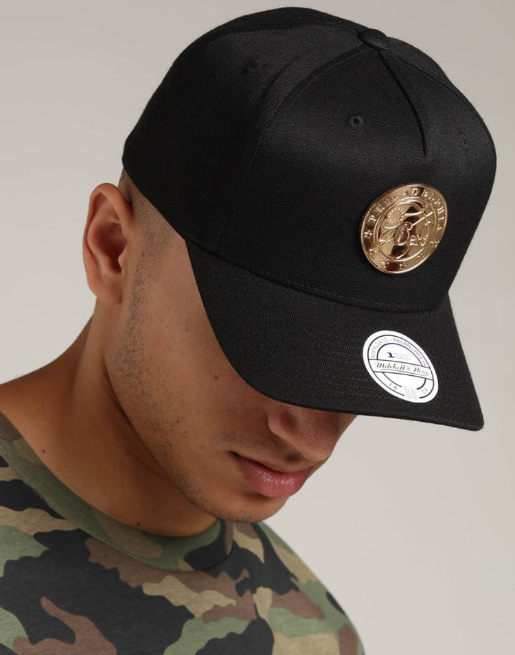 buy online e0f57 8030f Mitchell   Ness Philadelphia 76ers Metal 110 Pinch Snapback Black – Culture  Kings