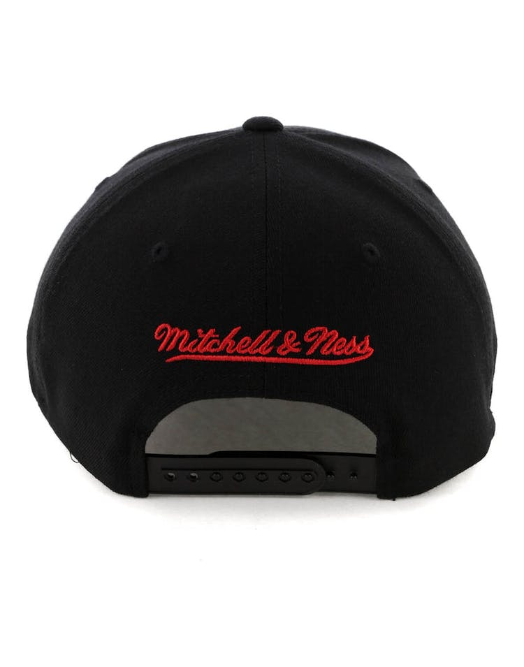 outlet store a44eb 319d9 Mitchell   Ness Portland Trail Blazers 110 Pinch Snapback Black Red Blue