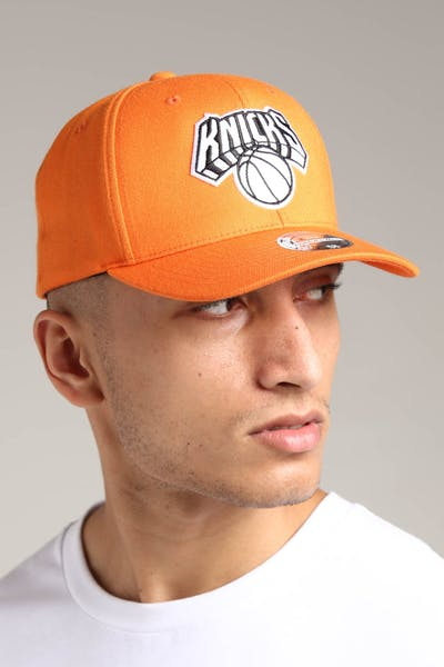 Mitchell & Ness New York Knicks 110 Pinch Snapback Orange