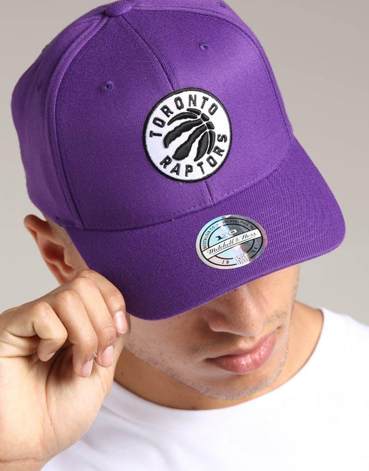 98c5c7cebe5 Mitchell   Ness Toronto Raptors 110 Pinch Snapback Purple – Culture Kings