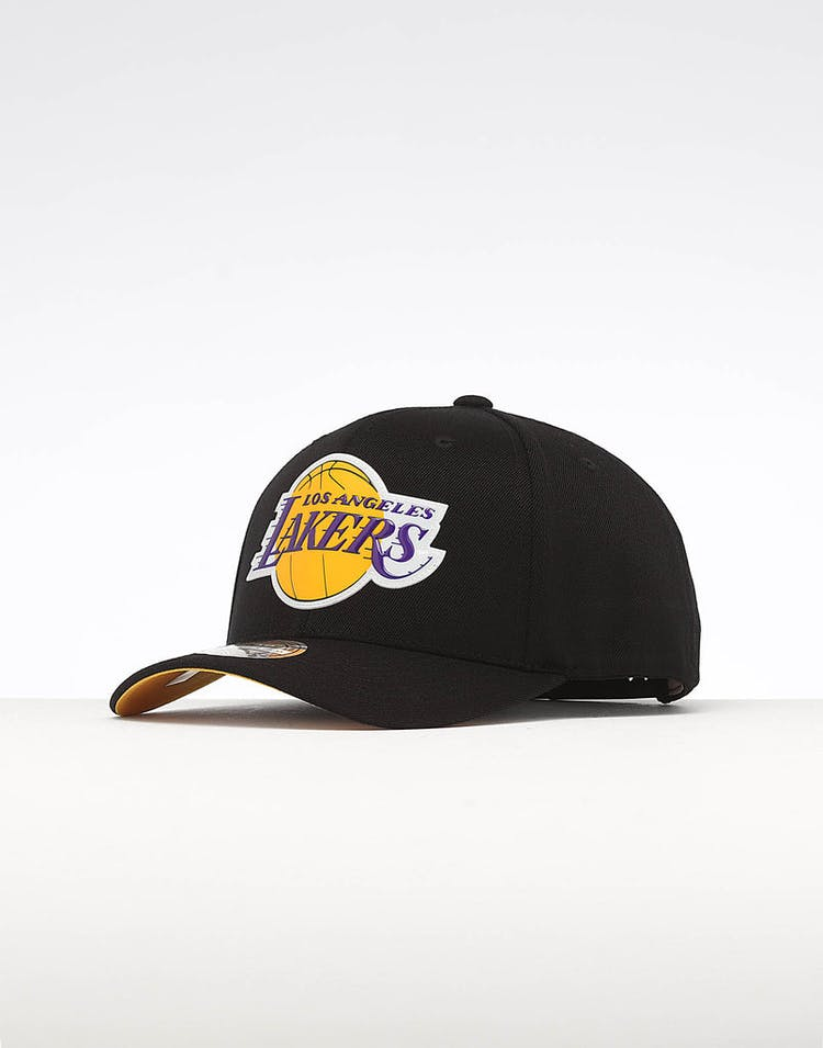 40bcd3c867937f Mitchell & Ness Los Angeles Lakers Chrome Logo Snapback Black – Culture  Kings