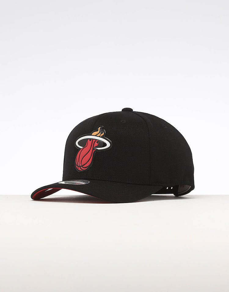 2fee35e3399a9 Mitchell   Ness Miami Heat Chrome Logo Snapback Black – Culture Kings