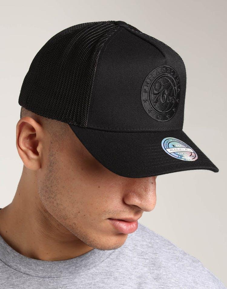 wholesale dealer ebda8 86d00 Mitchell   Ness Philadelphia 76ers 110 Snapback Trucker Black Black –  Culture Kings