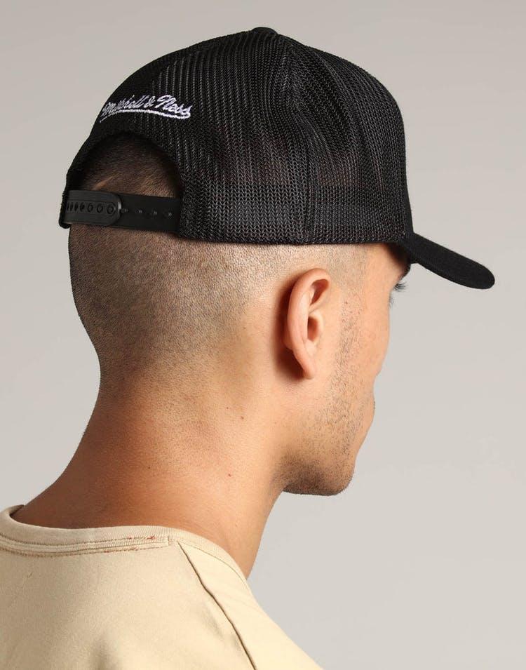 2970f8d76f2b1 Mitchell   Ness Brooklyn Nets 110 Snapback Trucker Black – Culture Kings