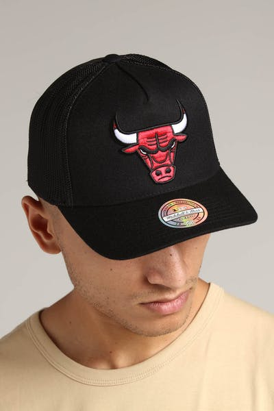 Mitchell & Ness Chicago Bulls 110 Snapback Trucker Black