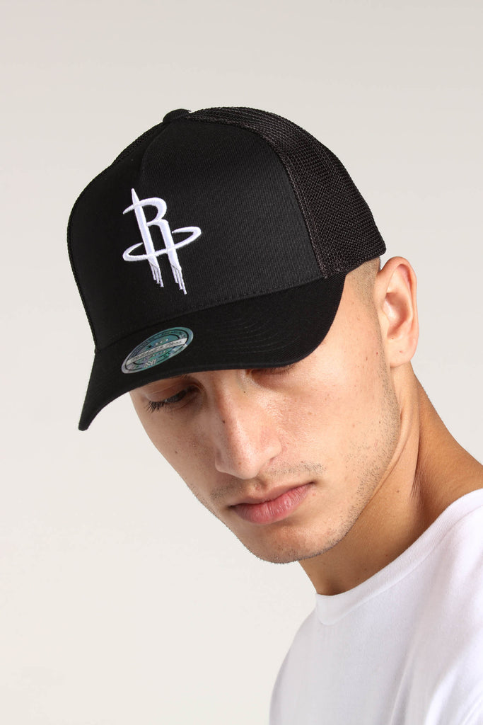 dcb0f2582d44d ... italy mitchell ness houston rockets 110 snapback trucker black white  culture kings 4f763 a50ac