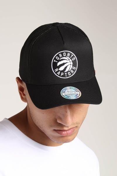 6f4a683b69e Mitchell   Ness Toronto Raptors 110 Snapback Trucker Black White