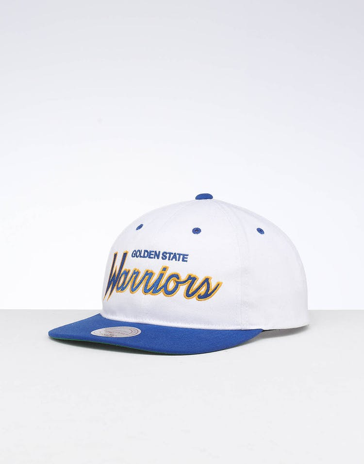 finest selection fb9c4 62b18 Mitchell   Ness Golden State Warriors Deadstock Snapback White Blue –  Culture Kings