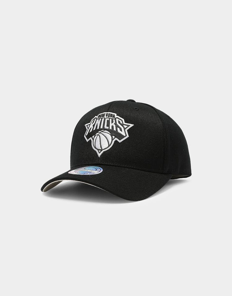 Mitchell & Ness New York Knicks Outline High Crown 110 Snapback Black