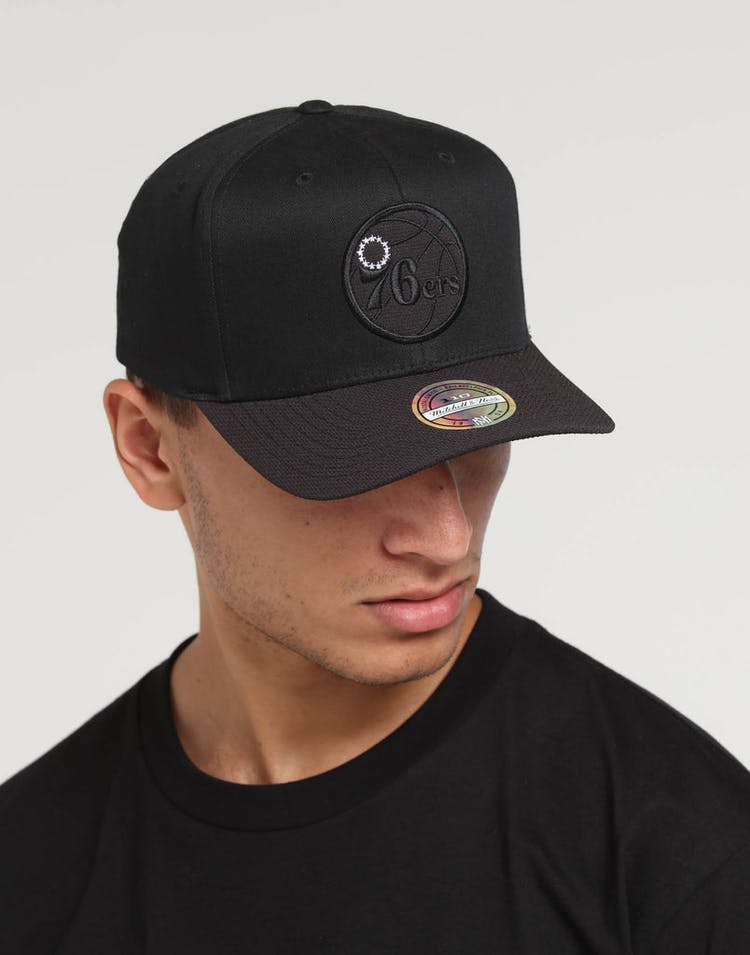 online retailer 411ff 29cfe Mitchell   Ness Philadelphia 76ers 110 Kevlar Snapback Black – Culture Kings