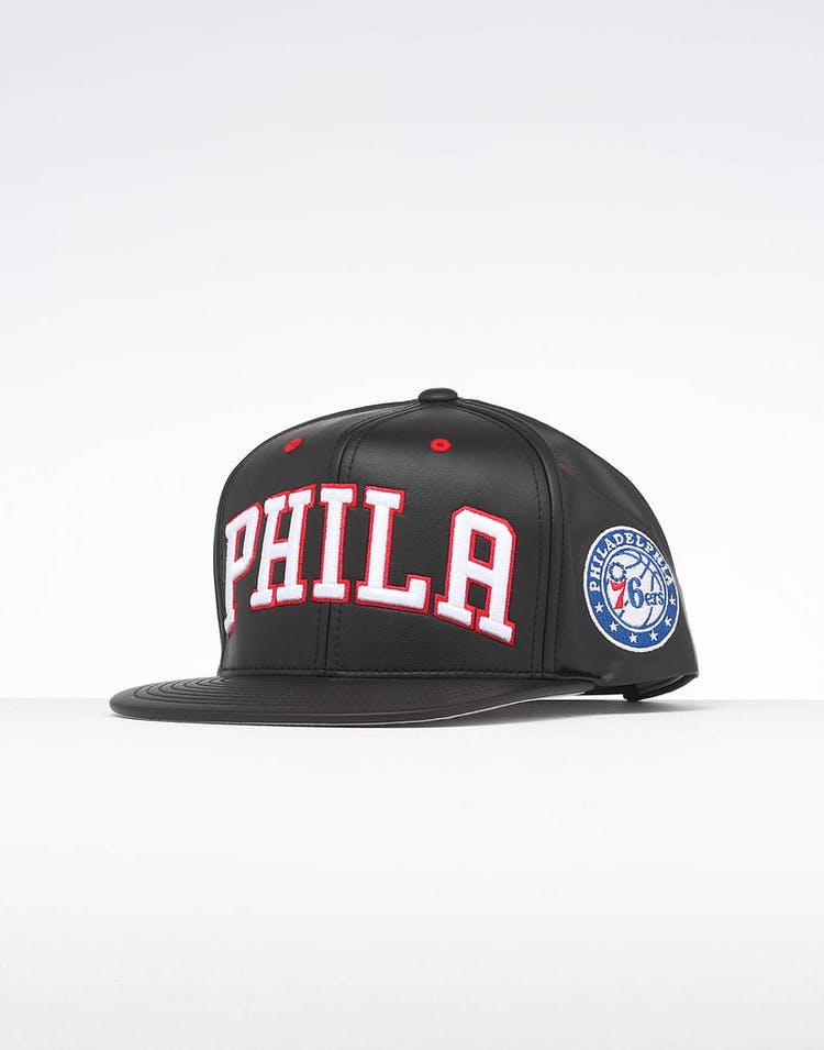 cfe531719a774e Mitchell & Ness Philadelphia 76ers Rapid Snapback Black – Culture Kings