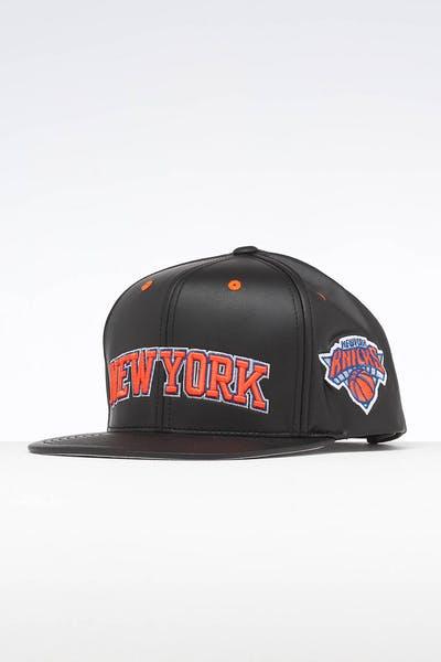 d5eb163d7e6f1 Mitchell   Ness New York Knicks Rapid Snapback Black