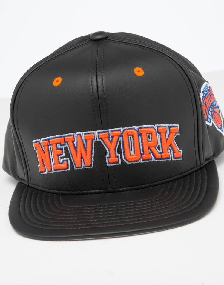 Mitchell & Ness New York Knicks Rapid Snapback Black