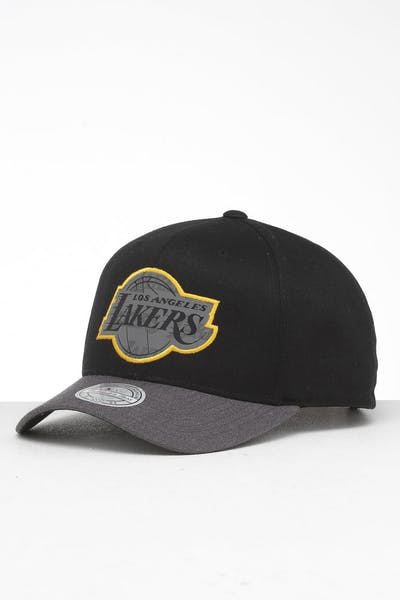 buy popular 56072 2683c Mitchell   Ness Los Angeles Lakers Reflective Duo II Snapback Black Grey ...