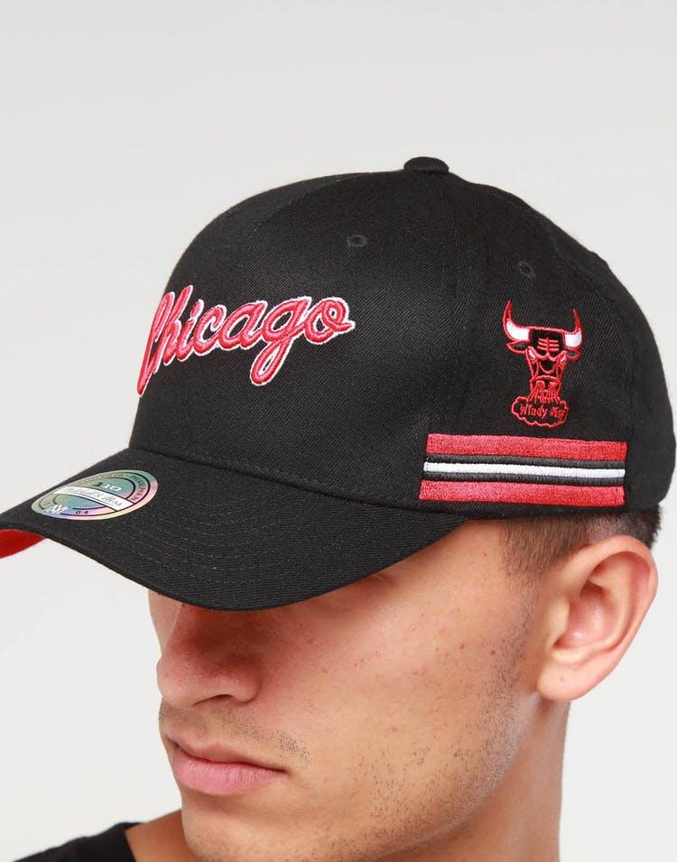 best sneakers 69f06 dd04f Mitchell   Ness Chicago Bulls WRDMRK 110 Snapback Black