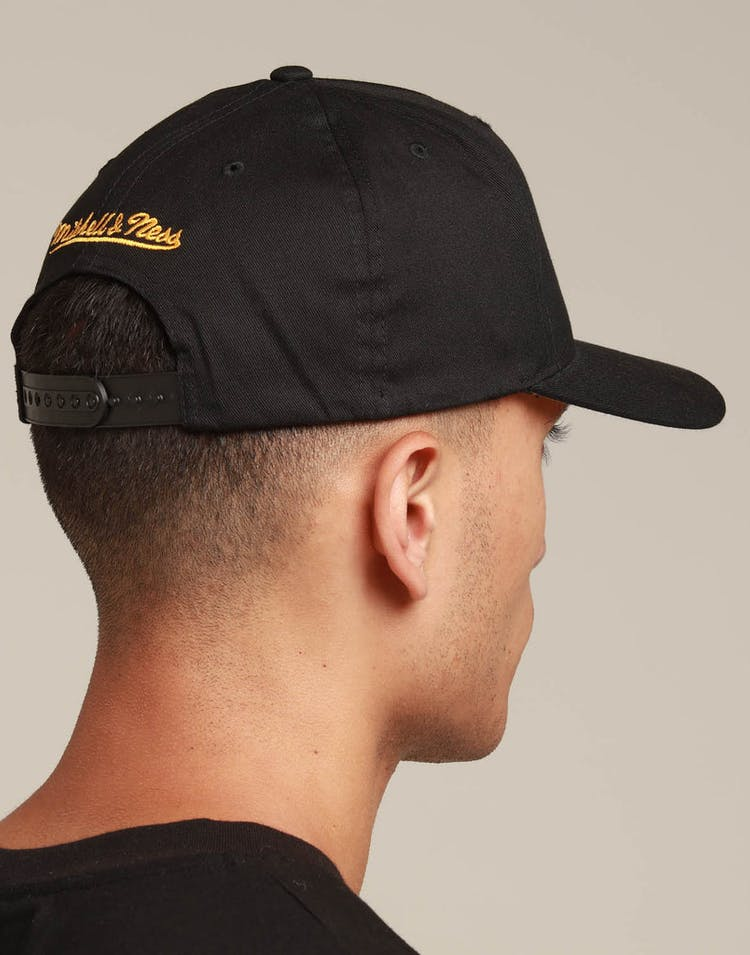 2ecd9366 Mitchell & Ness Los Angeles Lakers Initial 110 Snapback Black