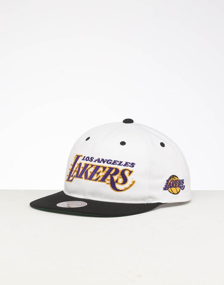 online store f3360 aa2f9 Mitchell   Ness Los Angeles Lakers Deadstock Snapback White Black – Culture  Kings