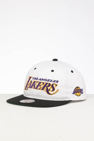 pretty nice ee704 d94af Mitchell   Ness Los Angeles Lakers Deadstock Snapback White Black ...