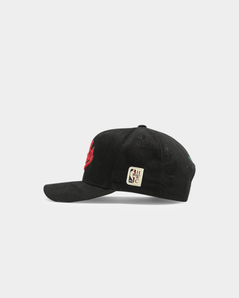 Mitchell & Ness Milwaukee Bucks Hardwood Classics Pro Crown Snapback Black