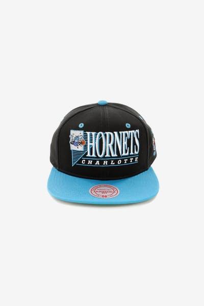 Mitchell   Ness Charlotte Hornets Horizon Snapback Black Teal 474a033927