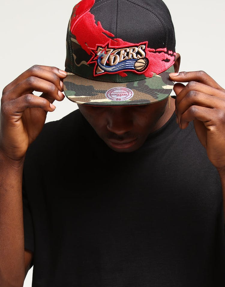best website 3e16b cfc73 Mitchell   Ness Philadelphia 76ers Camo Paintbrush Snapback Red Black –  Culture Kings
