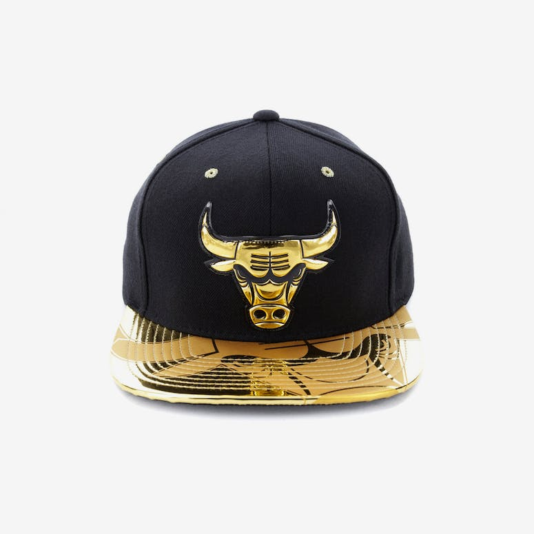 Mitchell   Ness Chicago Bulls Gold Standard Snapback Black Gold – Culture  Kings 25e8c4ef0776