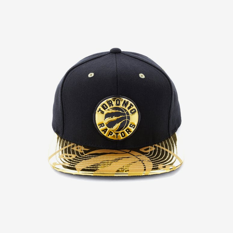 Mitchell   Ness Toronto Raptors Gold Standard Snapback Black Gold – Culture  Kings 7caf2274e423