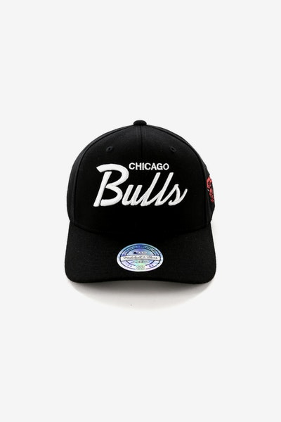 30a2e368df6 Mitchell   Ness Chicago Bulls 110 Team Script Snapback Black