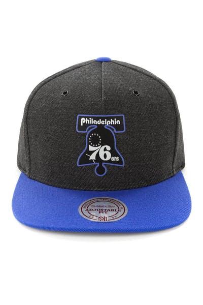 hot sale online 36e19 31b99 Mitchell   Ness Philadelphia 76ers Woven Reflective Snapback Charcoal Royal