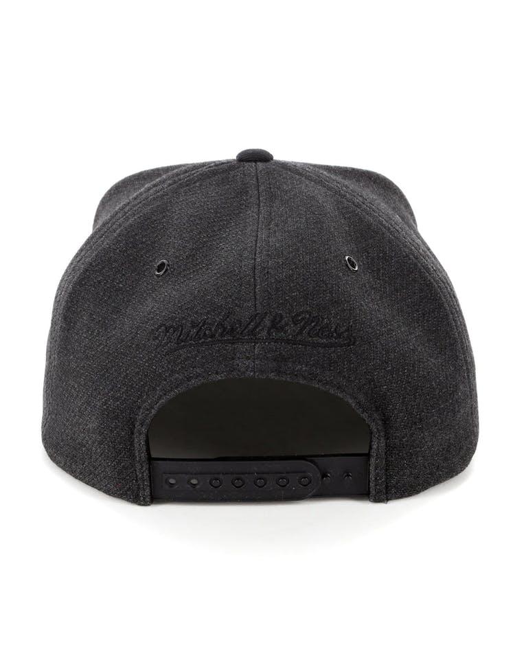 199a57540a4b84 Mitchell & Ness Brooklyn Nets Woven Reflective Snapback Charcoal/Black