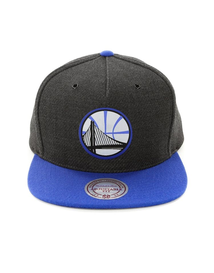 reputable site ba556 fb014 Mitchell   Ness Golden State Warriors Woven Reflective Snapback Charco –  Culture Kings