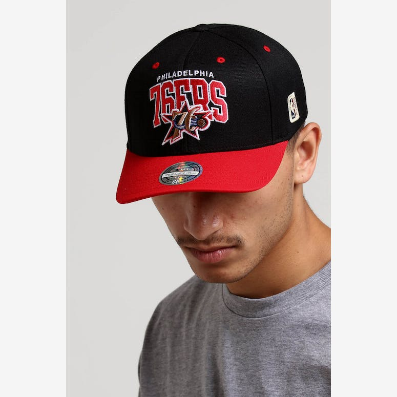 e724a27d435 Mitchell   Ness Philadelphia 76ers HWC Arch 110 Snapback Black Red –  Culture Kings